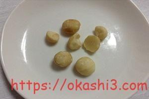 稲葉の素焼きミックスナッツのマカダミアナッツ